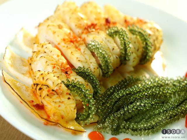 Mực nướng cuộn rong nho